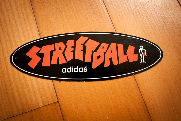 Collecting the clothes tags-Streetball