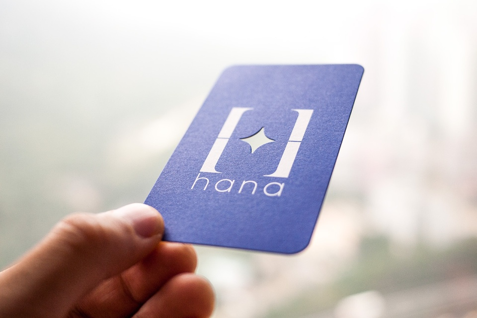 Business-card-design-for-Hana-01